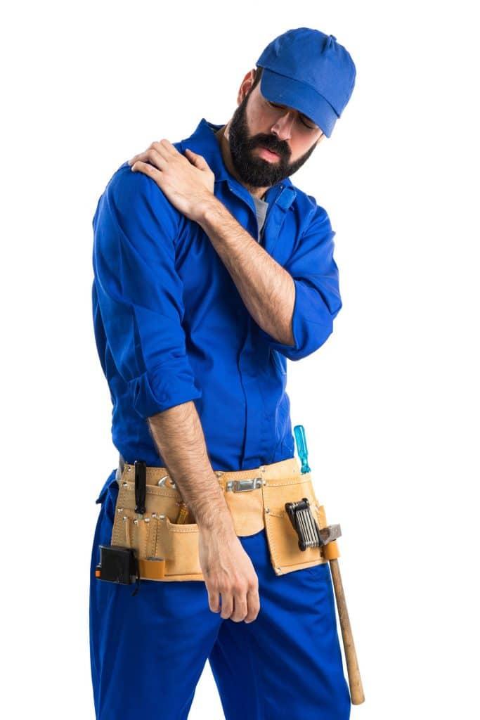 תמונה של בנאדם נפצע במהלך העבודה